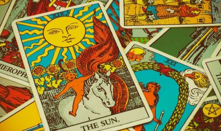 How Many Times to Shuffle Tarot Cards