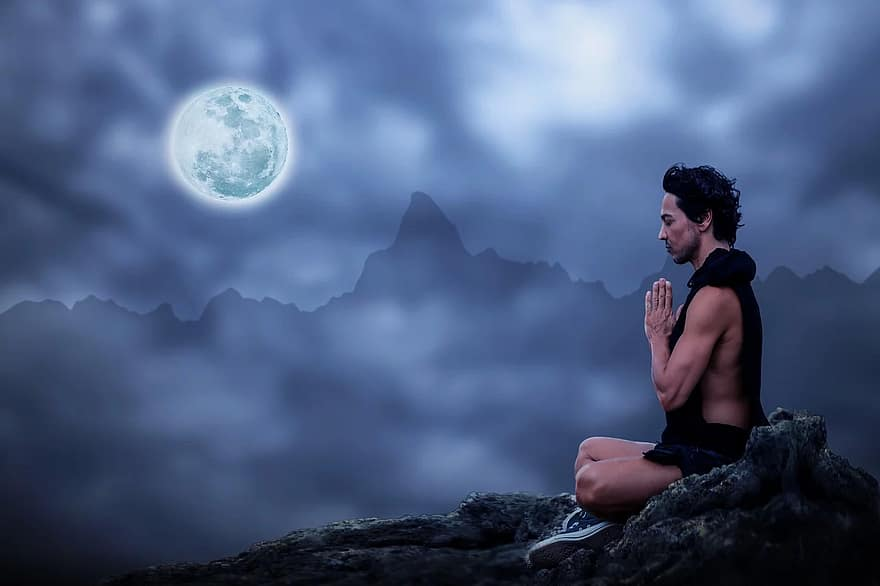 How to Meditate on Full Moon